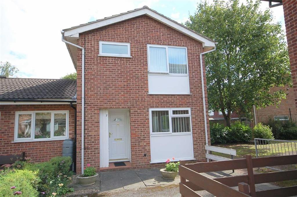 3 Bedrooms Semi Detached House for sale in Waltham Close, West Bridgford