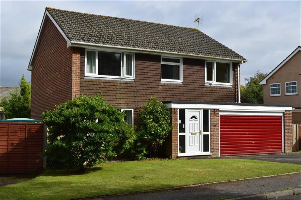 4 Bedrooms Detached House for sale in Montacute Way, Wimborne, Dorset