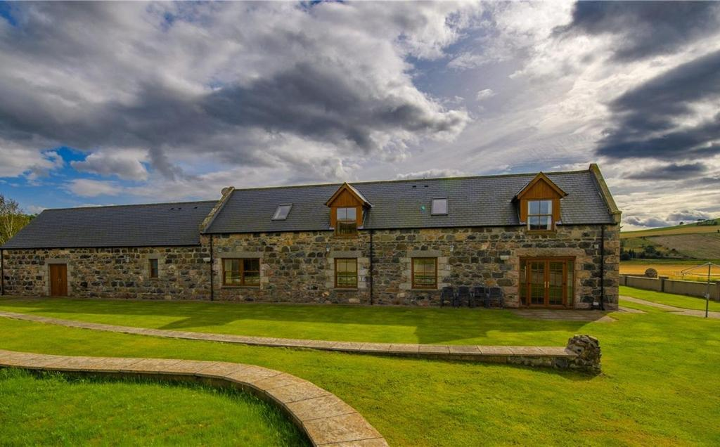 5 Bedrooms Detached House for sale in Wardhead Steading, Wardhouse, Insch, Aberdeenshire, AB52