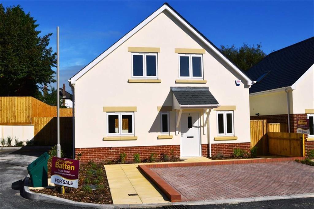 4 Bedrooms Detached House for sale in Matilda Close, Wimborne, Dorset