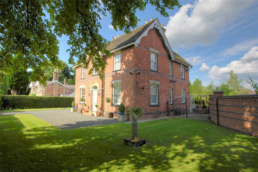 4 Bedrooms Detached House for sale in St. Michael's Road, Penkridge, Stafford, ST19