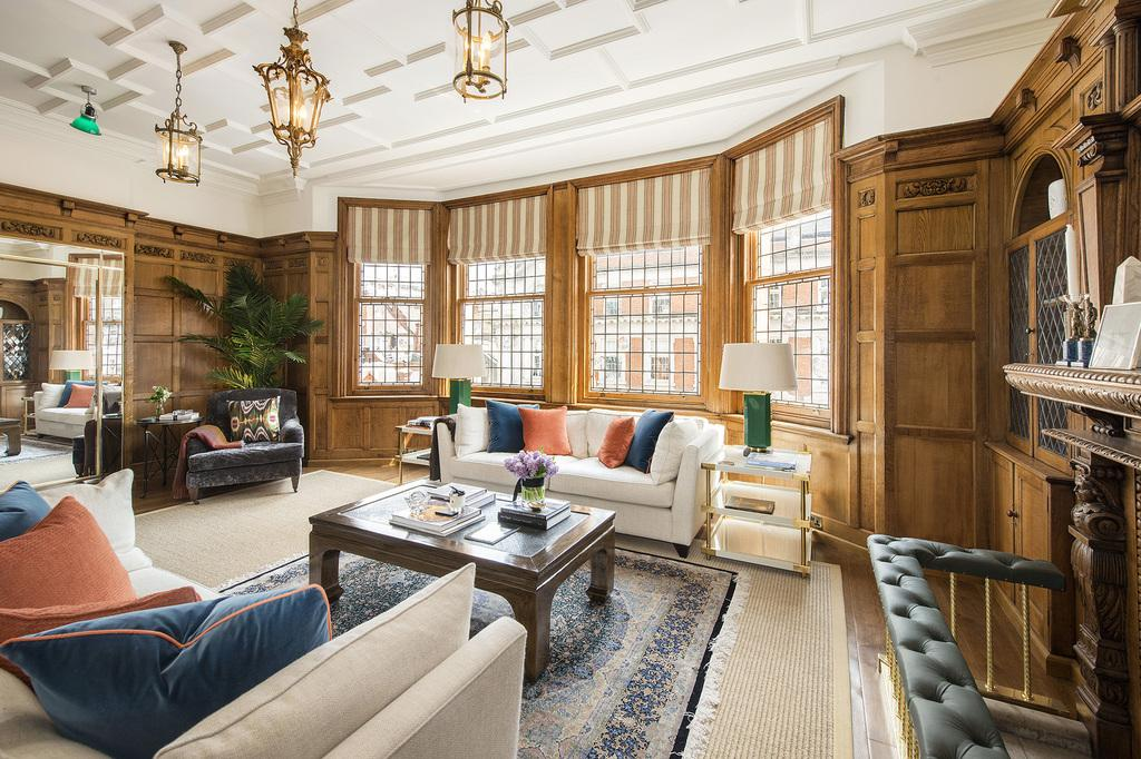 4 Bedrooms Flat for sale in North Audley Street, Mayfair, London, W1K