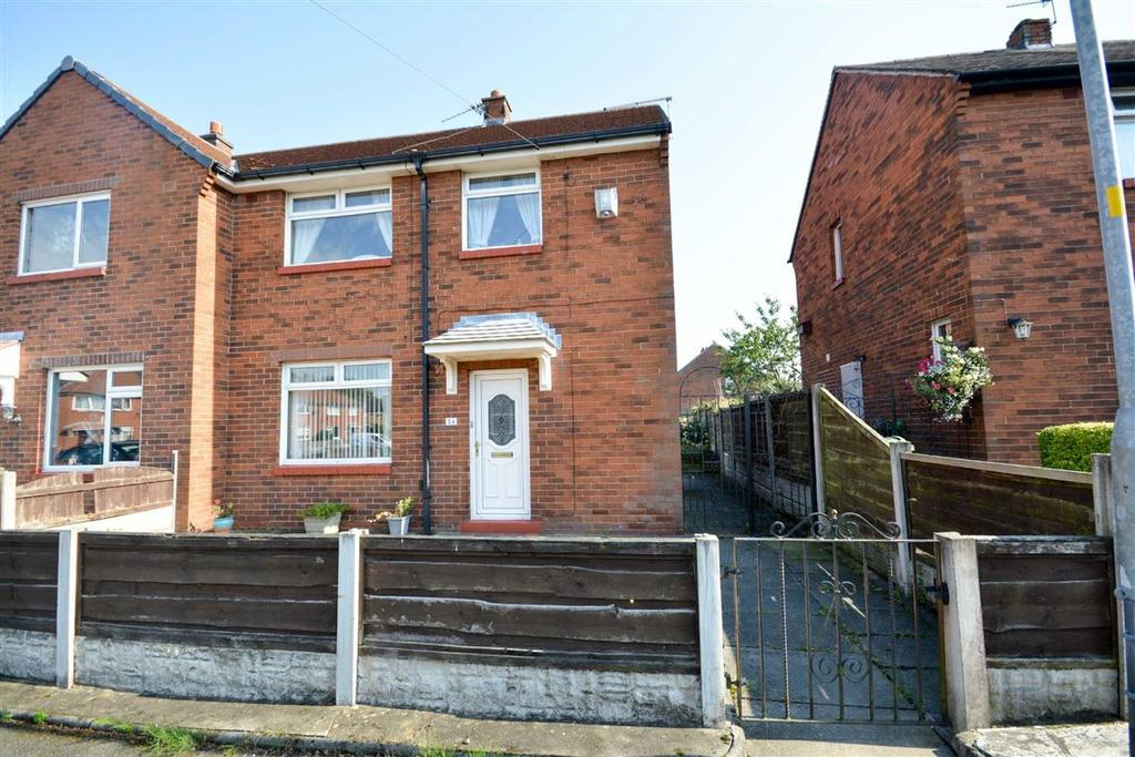 3 Bedrooms Semi Detached House for sale in Dickens Place, Worsley Mesnes, Wigan, WN3