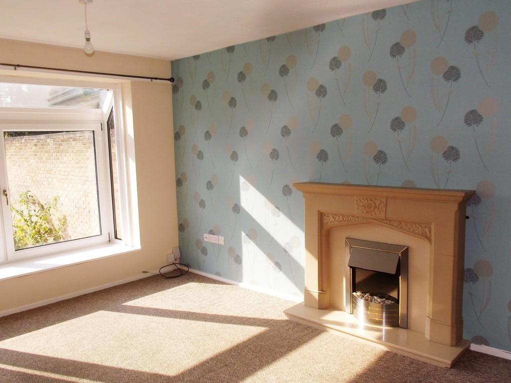2 Bedrooms Apartment Flat for rent in Kings Close, Higher Bebington
