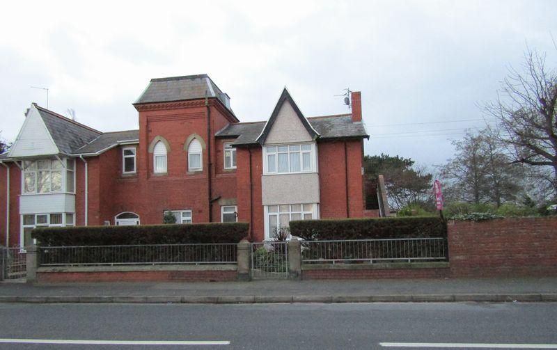 4 Bedrooms Semi Detached House for sale in Grange Road, Rhyl
