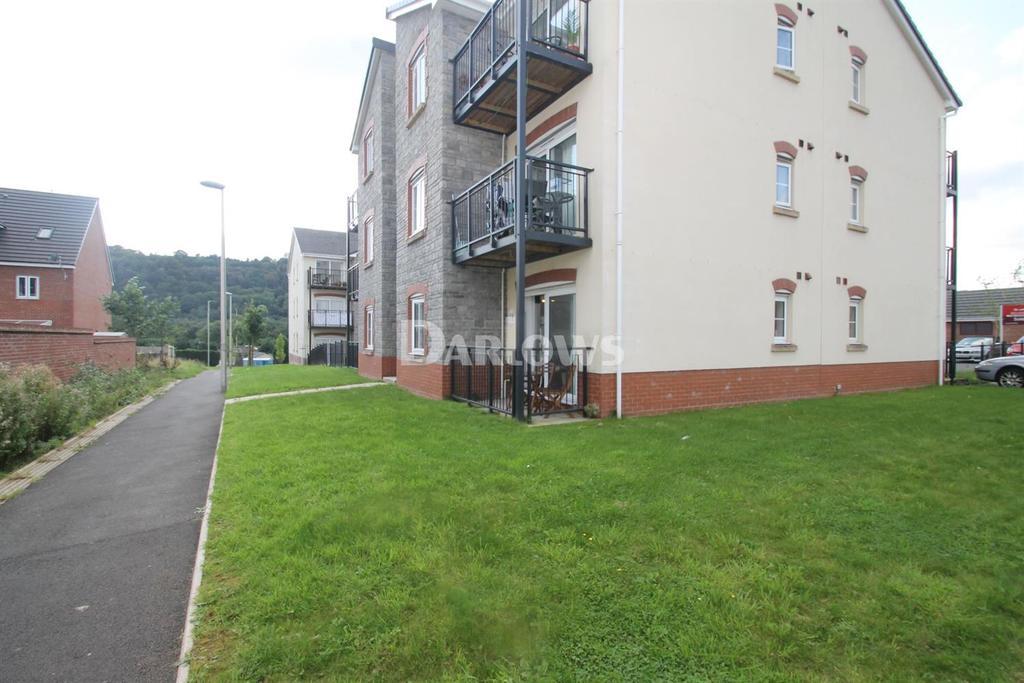 1 Bedroom Flat for sale in Heol Gruffydd. Rhydyfelin