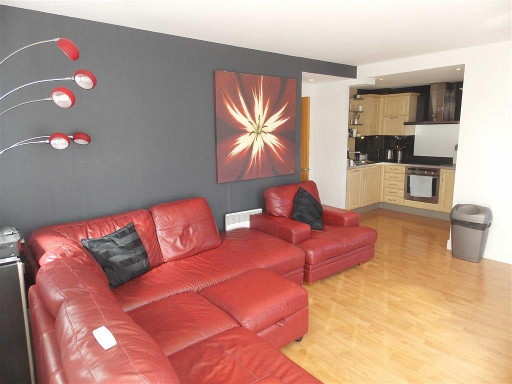 3 Bedrooms Apartment Flat for sale in Fairway Court, Gateshead