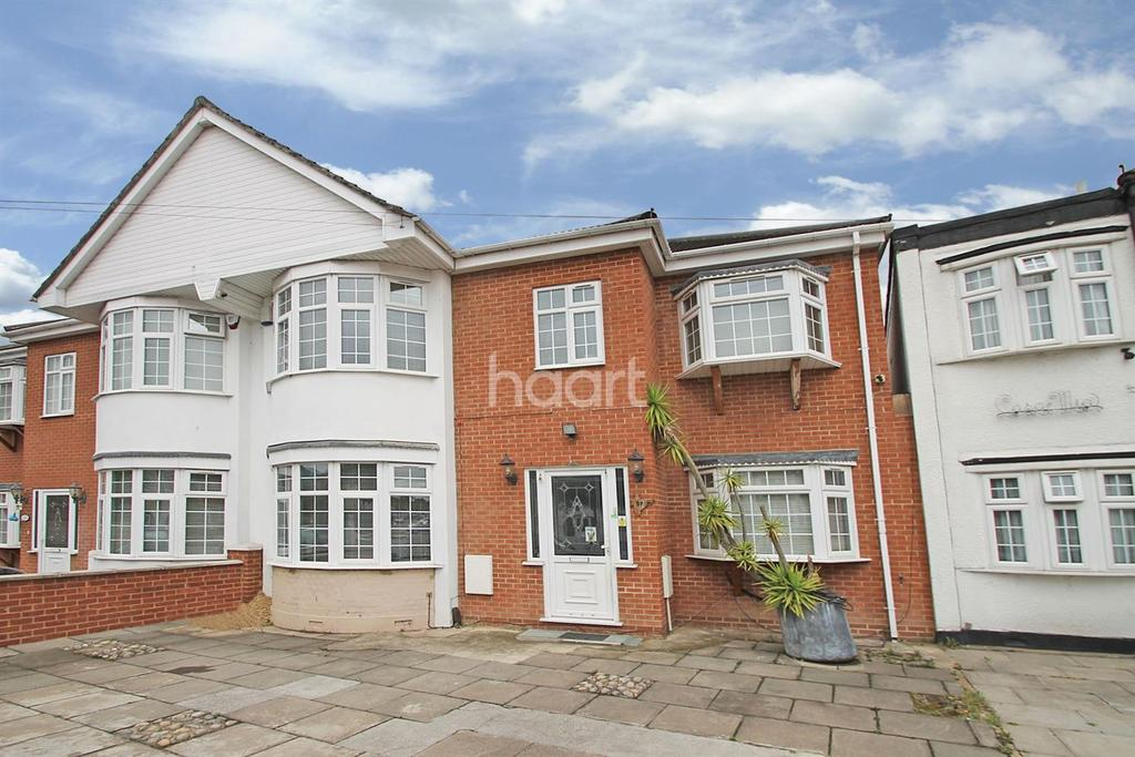 5 Bedrooms Terraced House for sale in Clayhall Avenue, Clayhall