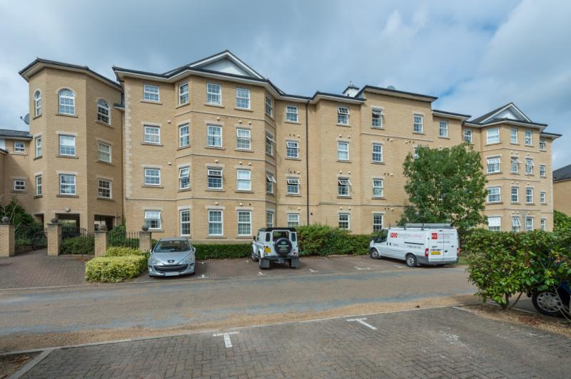 2 Bedrooms Apartment Flat for sale in Radcliffe House, Mandelbrote Drive, Littlemore, Oxford