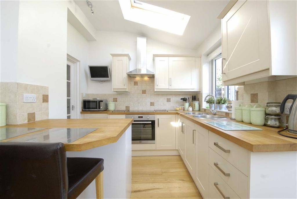 4 Bedrooms Terraced House for sale in Forde Avenue, Bromley, Kent