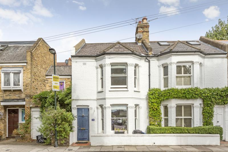 2 Bedrooms House for sale in Cleveland Road, Barnes, London, SW13