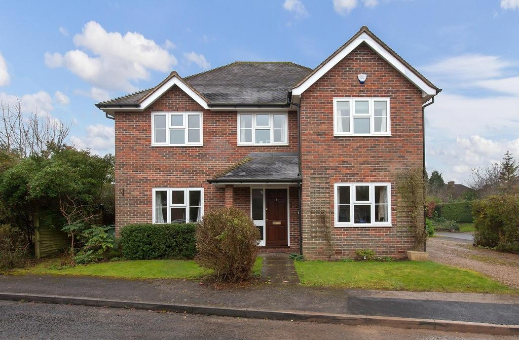 4 Bedrooms Detached House for sale in Top Farm Close, Beaconsfield, HP9