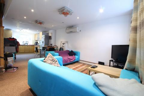 3 bedroom house to rent - Nile Close, Stoke Newington, N16