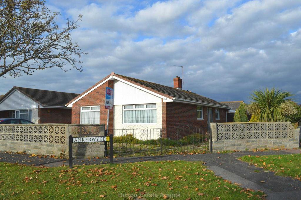 3 Bedrooms Detached Bungalow for sale in Stradbrook, Rowner
