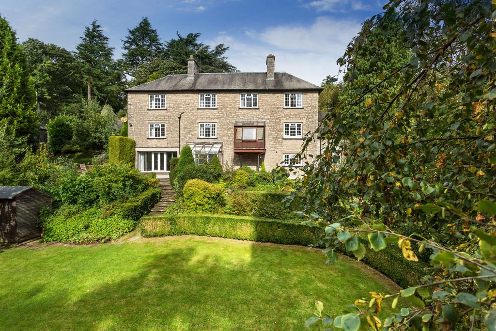 4 Bedrooms Detached House for sale in Stonecroft, Brigsteer Road, Kendal, Cumbria, LA9 5DY