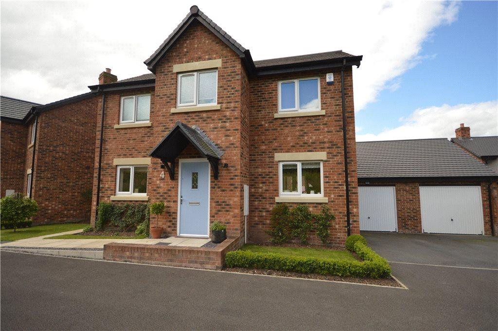 3 Bedrooms Detached House for sale in The Pippins, Latimer Way, Guiseley, Leeds
