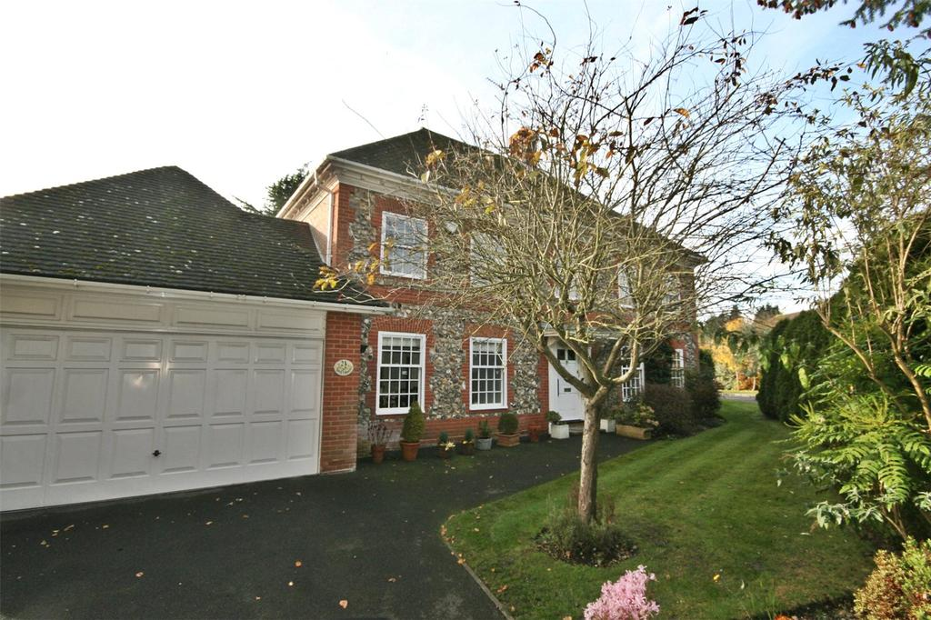 5 Bedrooms Detached House for sale in Donnay Close, Gerrards Cross, Buckinghamshire