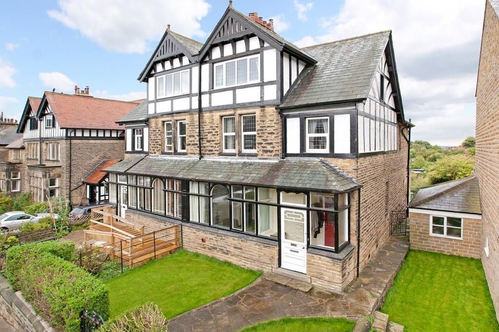 6 Bedrooms Semi Detached House for sale in Station Road, Otley