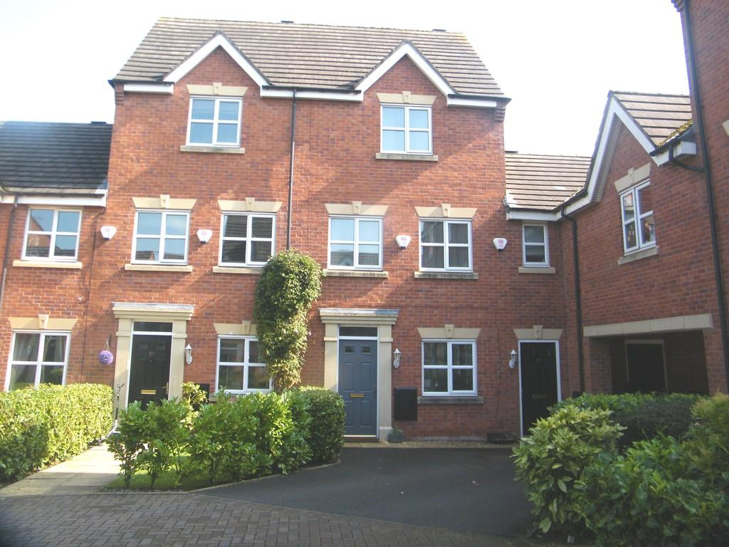 3 Bedrooms Town House for sale in Salisbury Close, Crewe