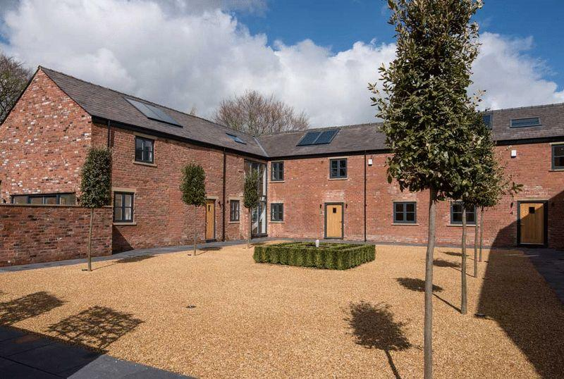 3 Bedrooms Semi Detached House for sale in School Lane, Henbury