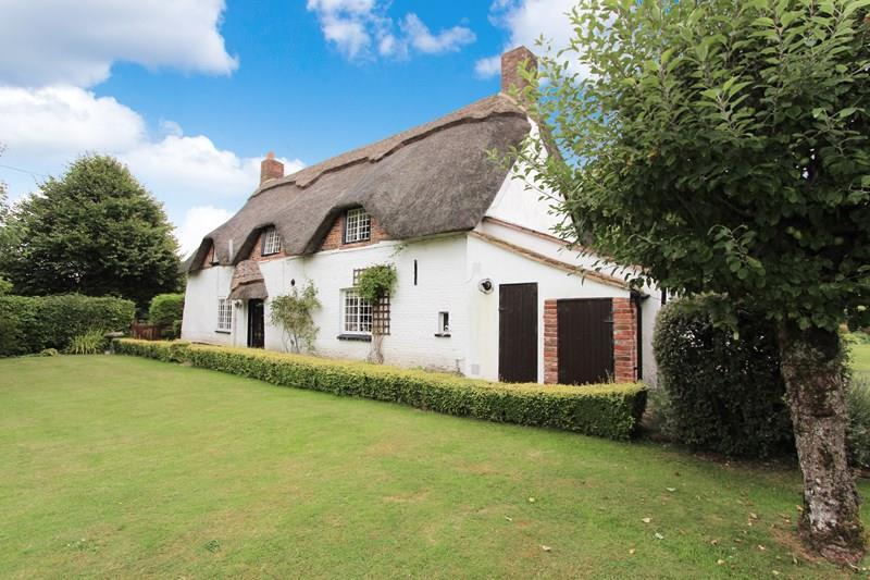 3 Bedrooms Village House for sale in Tarrant Monkton, Dorset