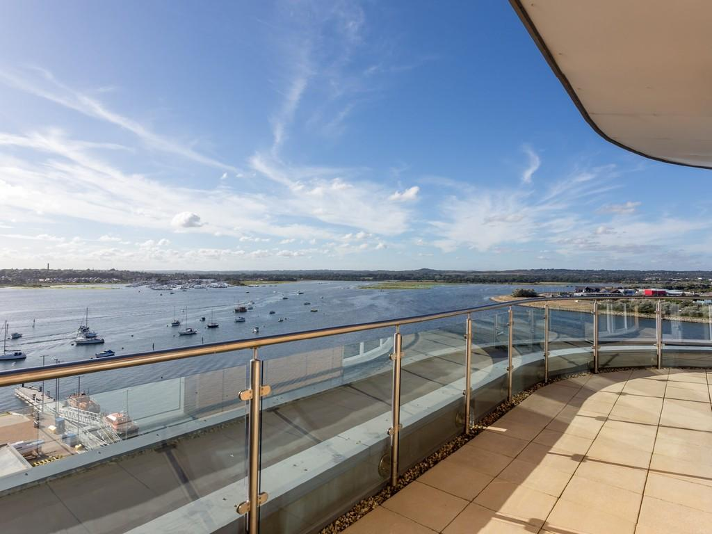 2 Bedrooms Penthouse Flat for sale in Aqua Penthouse, Poole