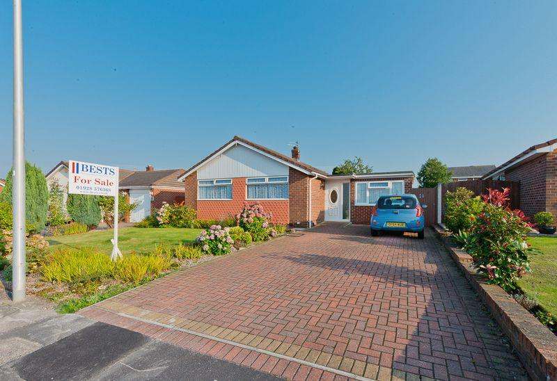 3 Bedrooms Detached Bungalow for sale in Melton Road, Malpas Estate, Runcorn