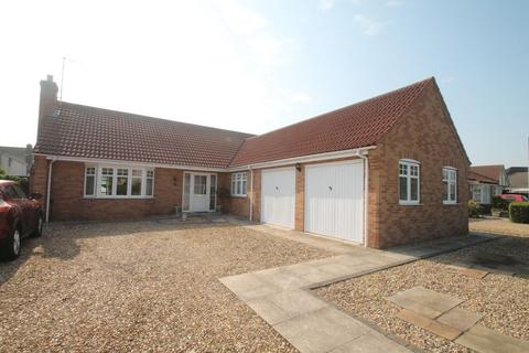 3 bedroom detached bungalow for sale - Mulberry Way, Spalding