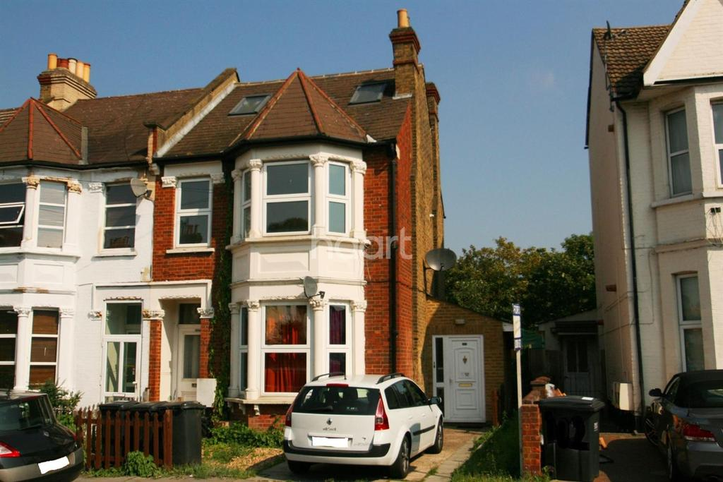 2 Bedrooms Flat for sale in Melfort Road, CR7 7RN
