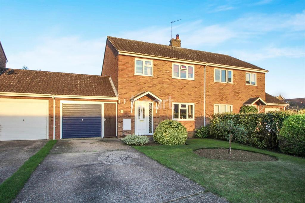3 Bedrooms Semi Detached House for sale in Wheats Close, Witchford