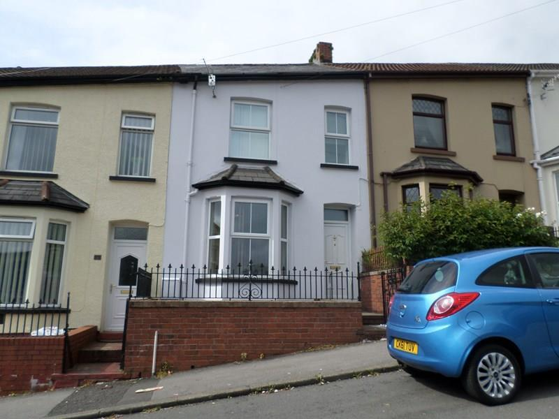 4 Bedrooms Terraced House for sale in Catherine Crescent, Cymmer, Porth