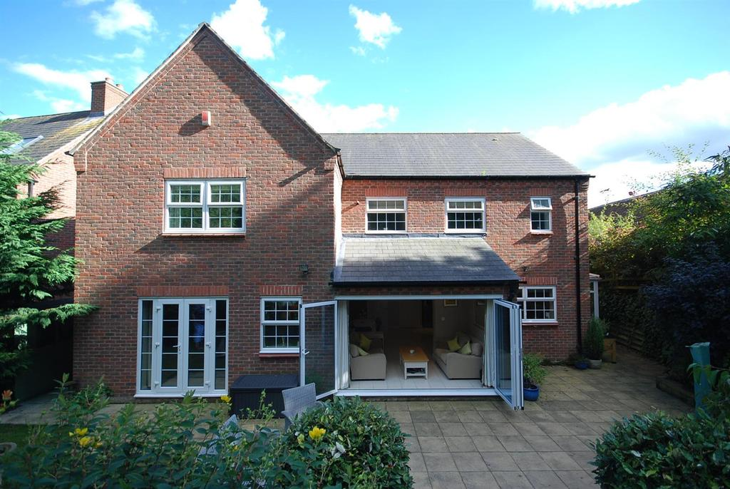 5 Bedrooms Detached House for sale in Child Close, Burton Lazars, Melton Mowbray