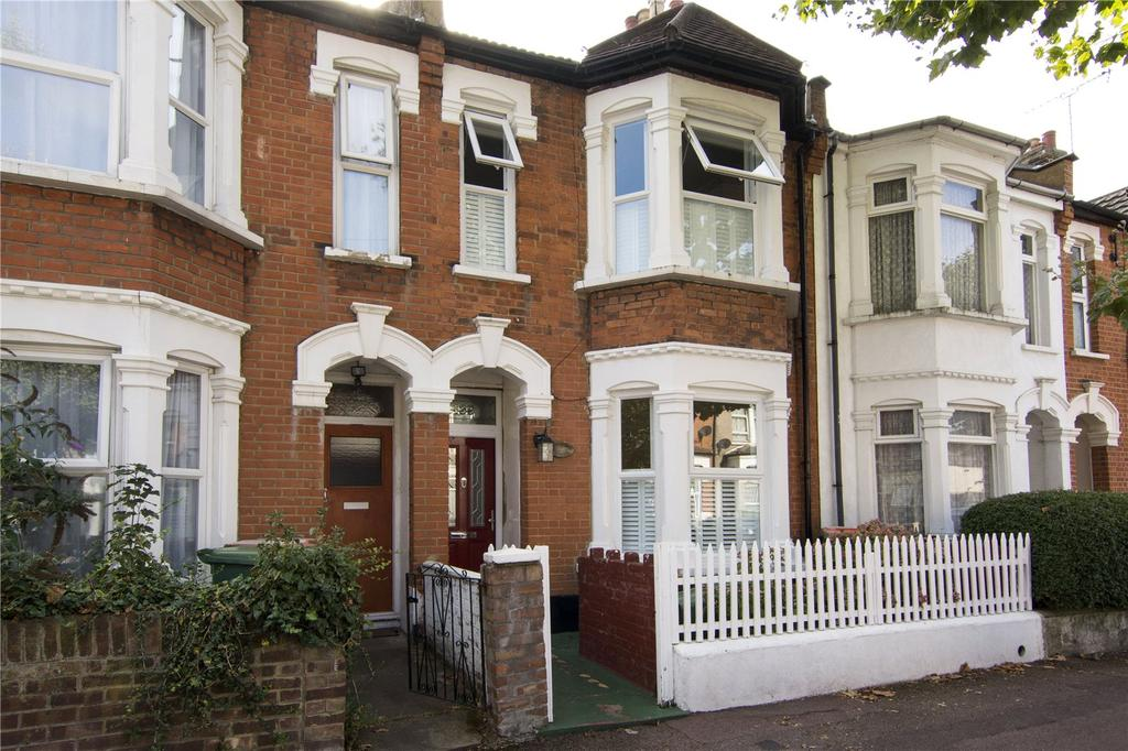 3 Bedrooms Terraced House for sale in Ruskin Avenue, London, E12