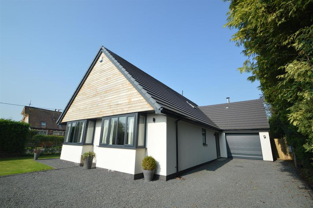 4 Bedrooms Detached House for sale in Shotton Lodge, Shotton Lane, Harmer Hill, Shrewsbury SY4 3DN