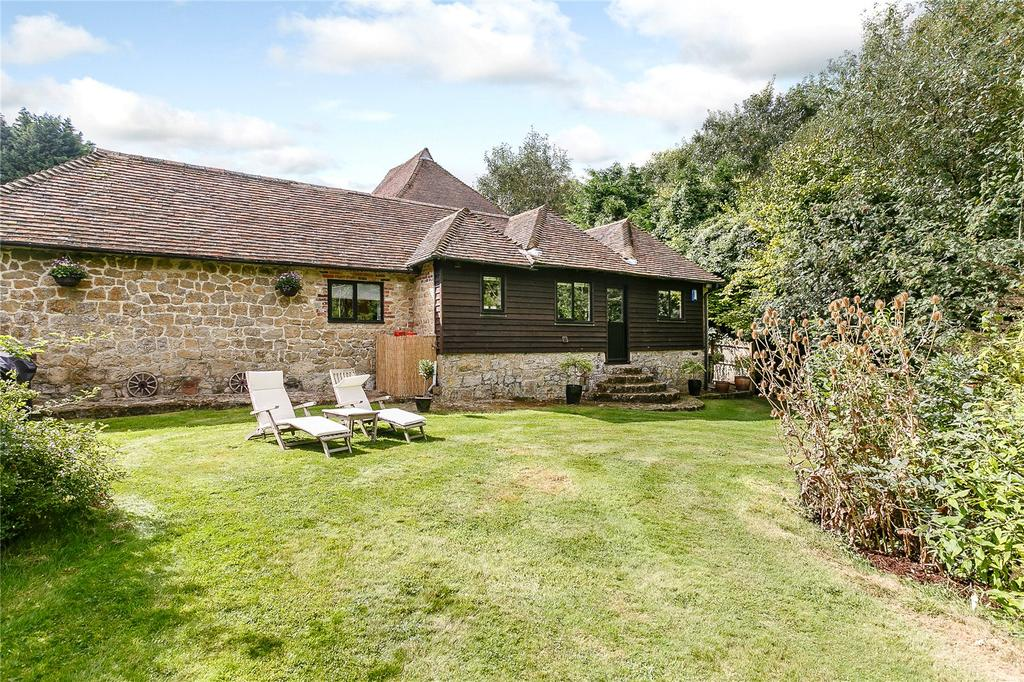 4 Bedrooms Barn Conversion Character Property for sale in Fairbourne Lane, Harrietsham, Maidstone, Kent