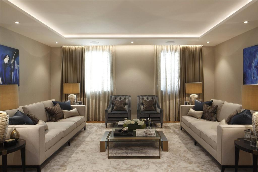 5 Bedrooms Mews House for sale in Woods Mews, London, W1K