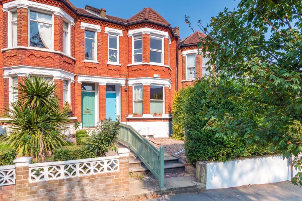 3 Bedrooms Flat for sale in St Julians Farm Road, London, SE27