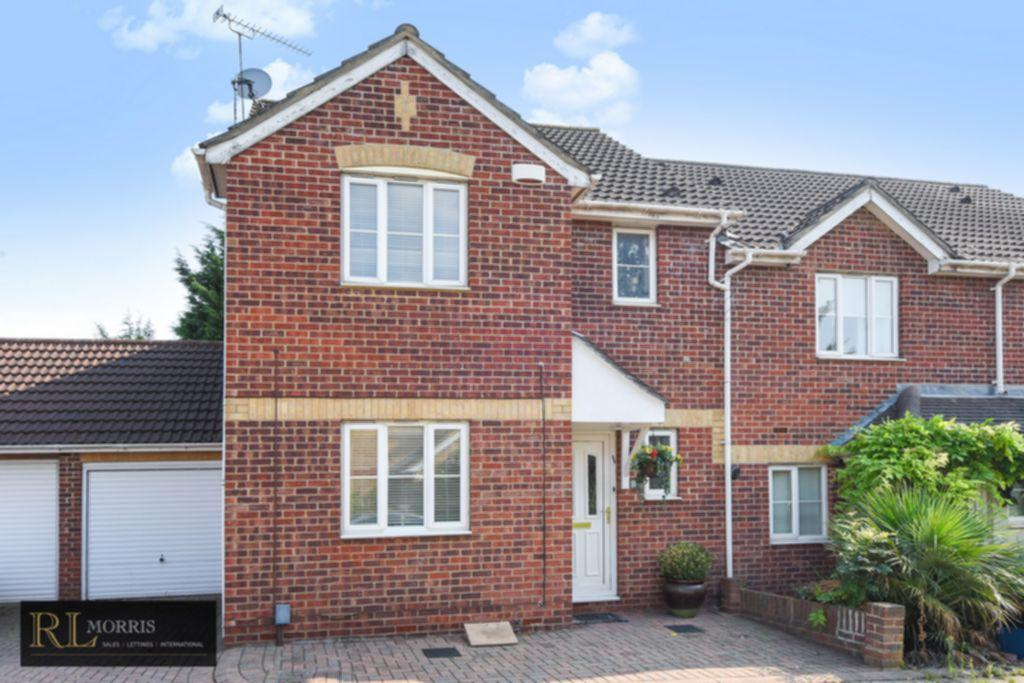 3 Bedrooms House for sale in Westfield Park Drive, Woodford Green, IG8