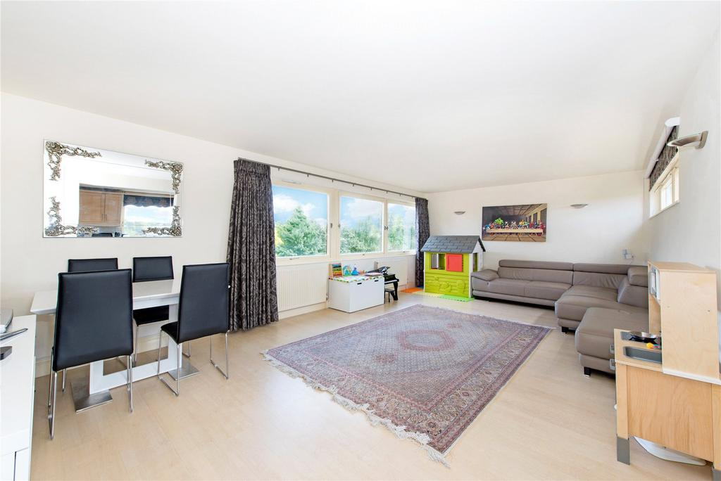 2 Bedrooms Flat for sale in Westside, Ravenscourt Park, London