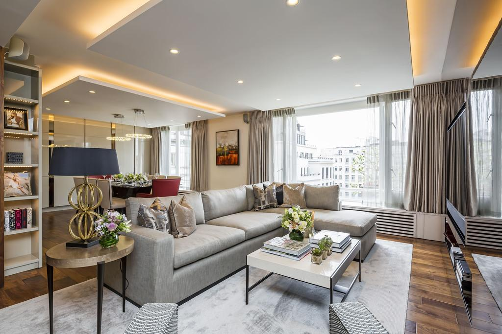 2 Bedrooms Flat for sale in Bourdon Street, Mayfair, London, W1K