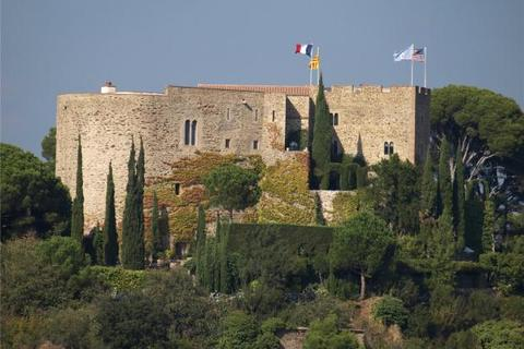 8 bedroom house  - Near Perpignan, Languedoc-Roussillon, France
