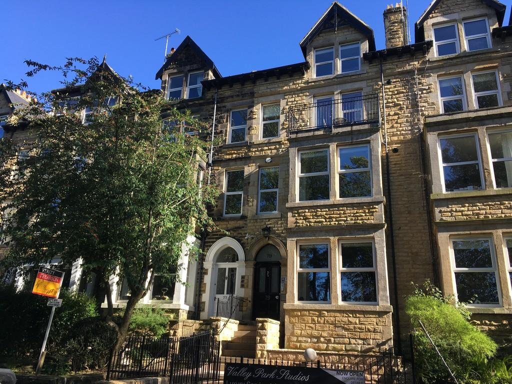 2 Bedrooms Apartment Flat for sale in Flat 3, 77 Valley Drive, Harrogate