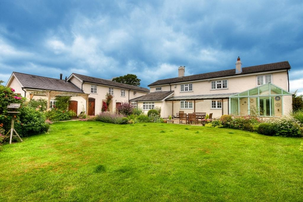 5 Bedrooms Detached House for sale in Agden Lane, High Legh, Knutsford