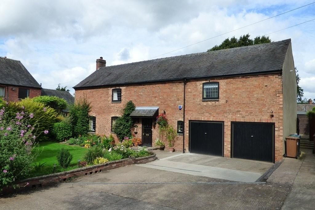 4 Bedrooms Barn Conversion Character Property for sale in Burnulf Court, Burnaston