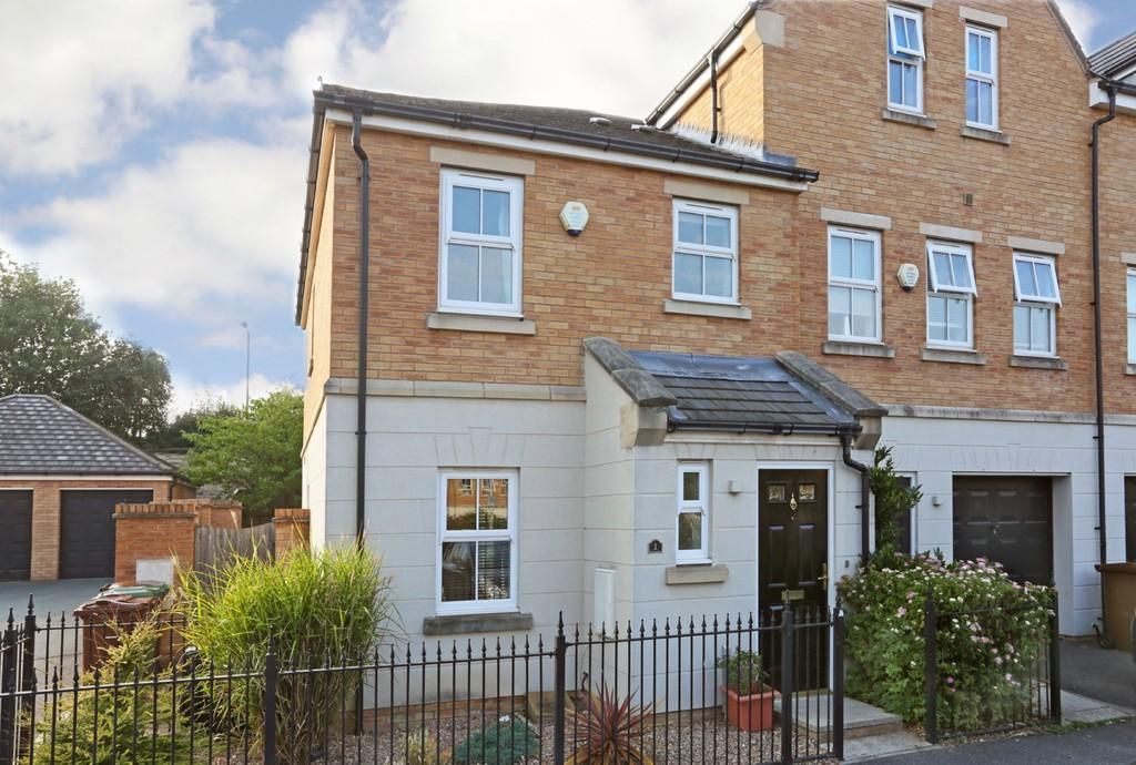 3 Bedrooms Town House for sale in Ashworth Square, Parklands
