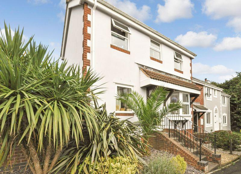 3 Bedrooms End Of Terrace House for sale in Kings Coombe Drive, Kingsteignton