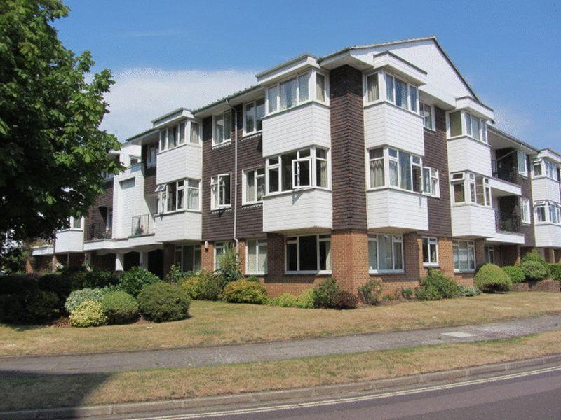 2 Bedrooms Flat for sale in Woodville Drive, Old Portsmouth