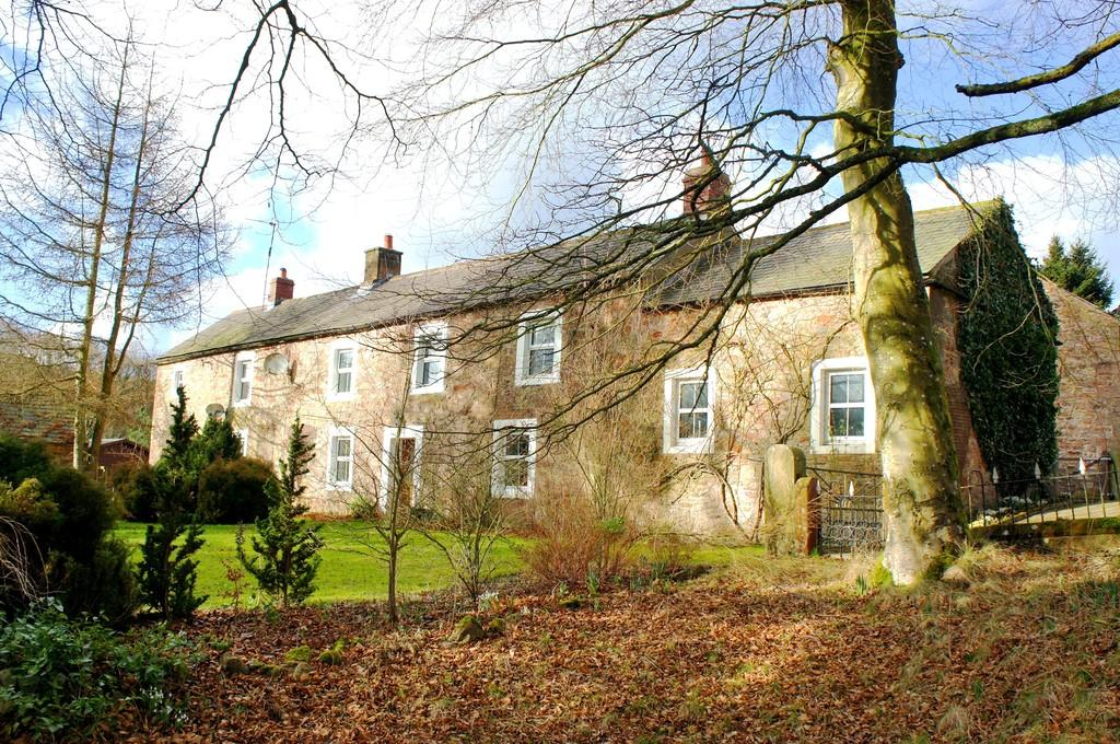 6 Bedrooms Detached House for sale in Roweltown