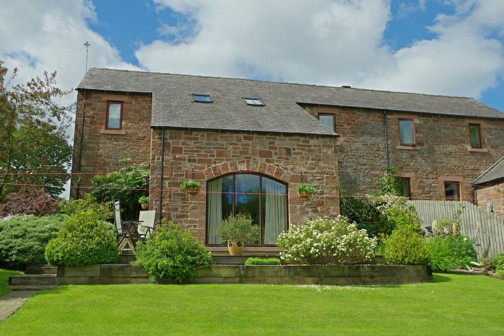 3 Bedrooms Barn Conversion Character Property for sale in Broadwath, Brampton