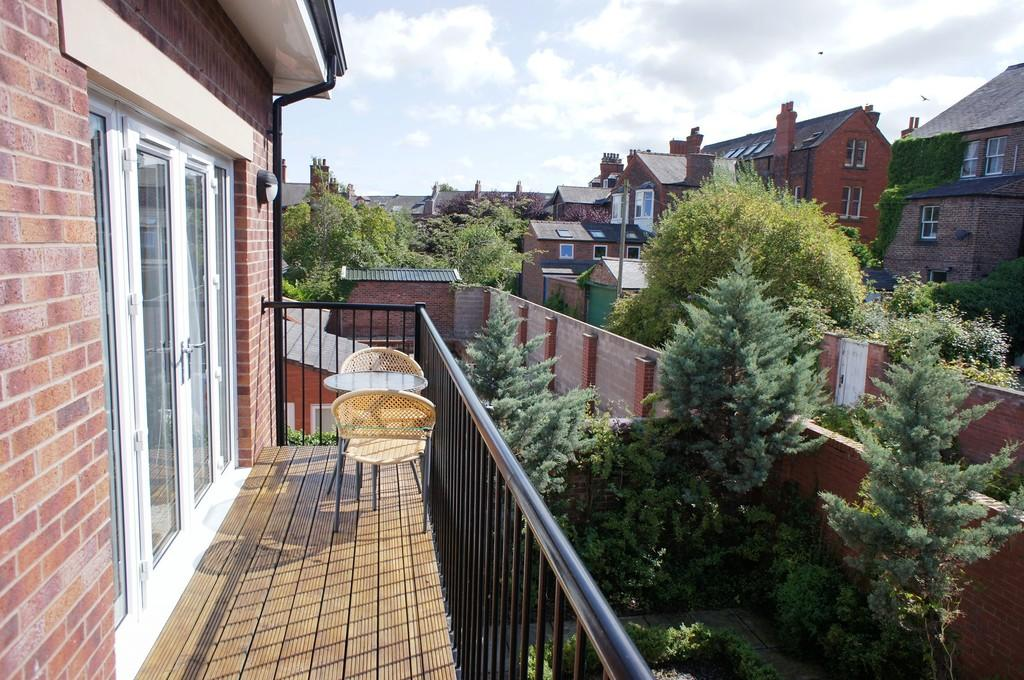 2 Bedrooms Apartment Flat for sale in Lismore Place, Carlisle